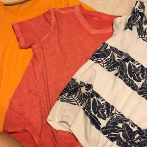 3 Old Navy Small T-shirts